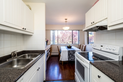 127e4-8 at 202 - 127 E 4th Street, Lower Lonsdale, North Vancouver