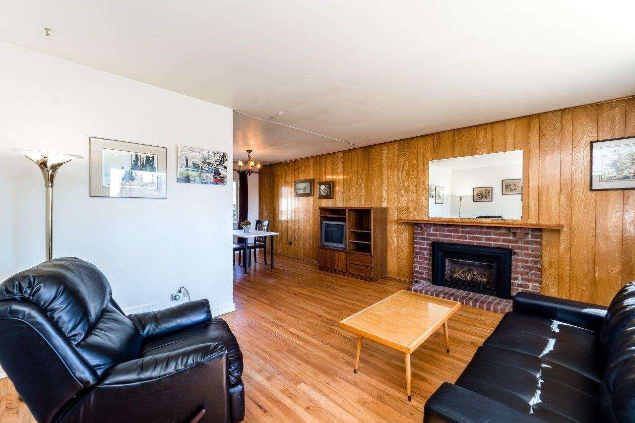 622-e-7th-street-queensbury-north-vancouver-02 at 622 E 7th Street, Queensbury, North Vancouver