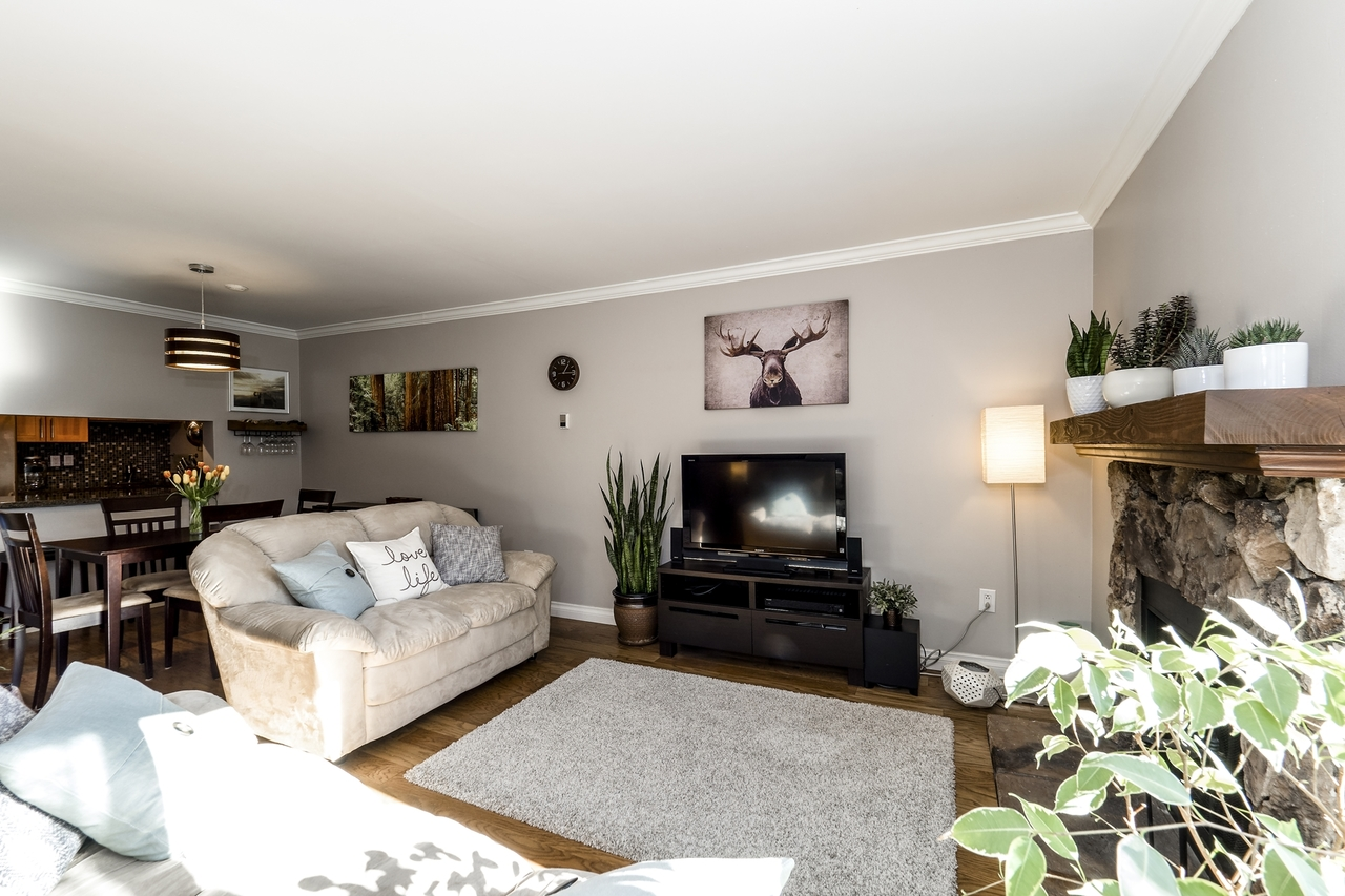 307 - 3275 Mountain Highway, Lynn Valley, North Vancouver