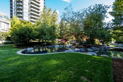 1 at 605 - 151 W 2nd Street, Lower Lonsdale, North Vancouver