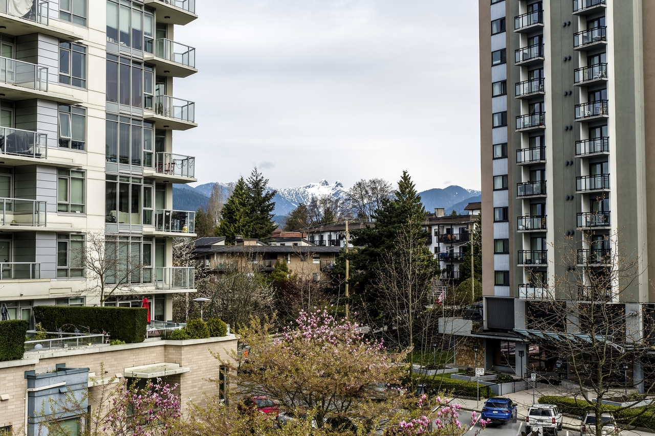 151w2-4 at 605 - 151 W 2nd Street, Lower Lonsdale, North Vancouver