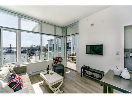 3 at 207 - 200 Nelson's Crescent,