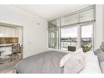 8 at 207 - 200 Nelson's Crescent,