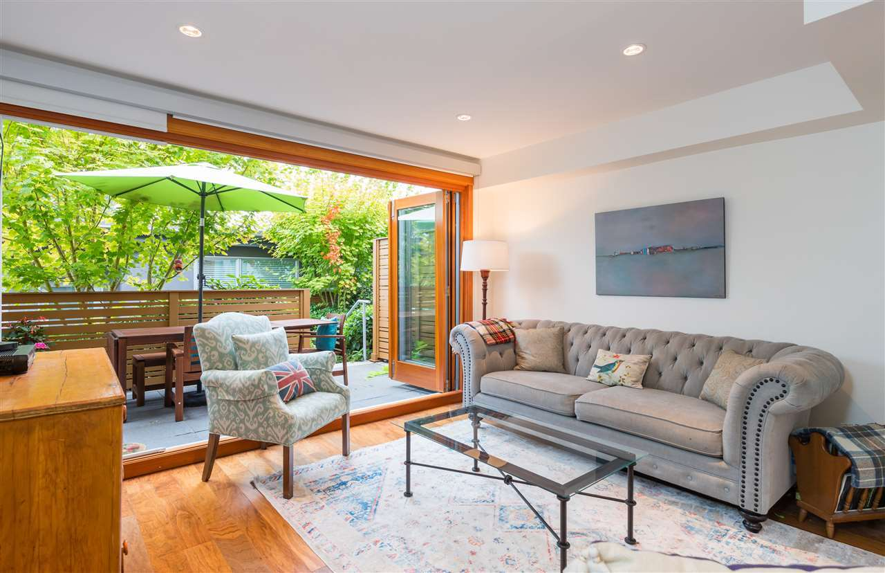 living-room at 2222 Caledonia Avenue, Deep Cove, North Vancouver