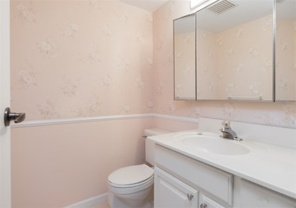 bathroom at 208 - 414 Draycott Road, Lynn Valley, North Vancouver