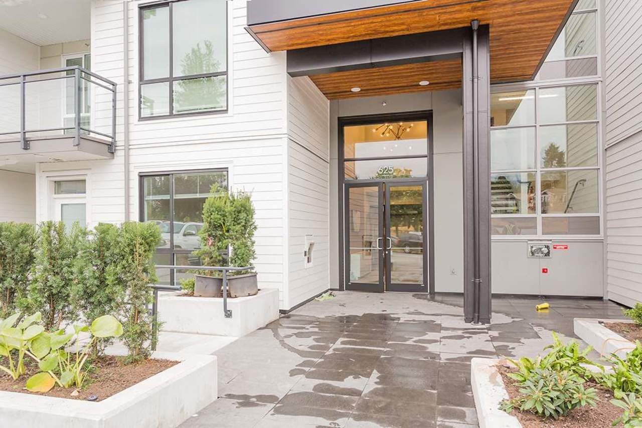 625-e-3rd-street-lower-lonsdale-north-vancouver-14 at 105 - 625 E 3rd Street, Lower Lonsdale, North Vancouver