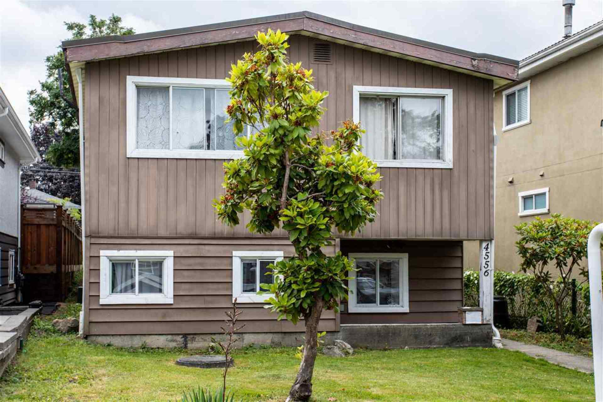 4556 Pender Street, Capitol Hill BN, Burnaby North