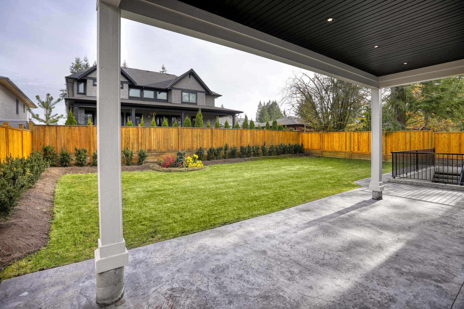 jd4 at 933 Jarvis Street, Harbour Chines, Coquitlam