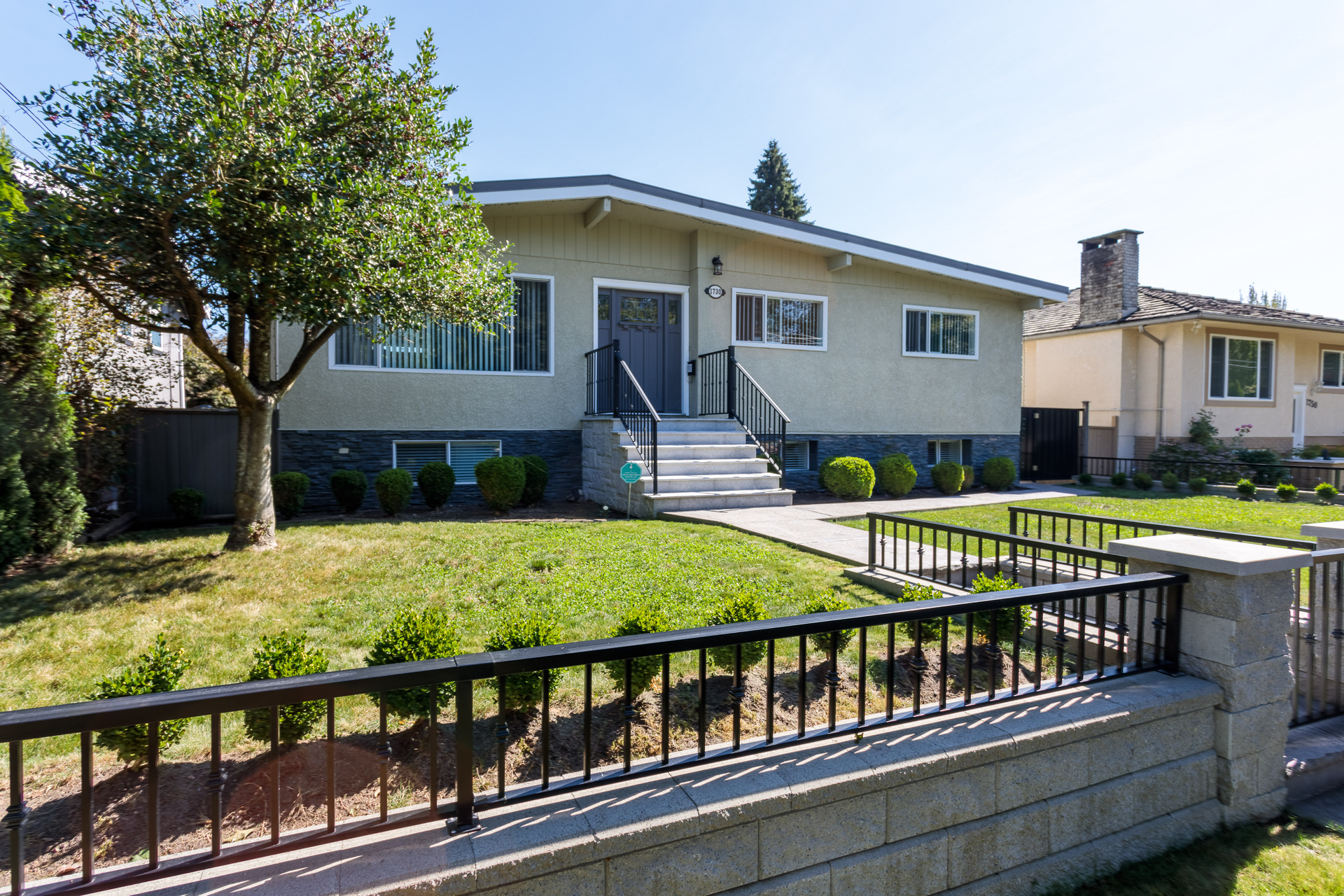 1730 Cliff Avenue, Sperling-Duthie, Burnaby North