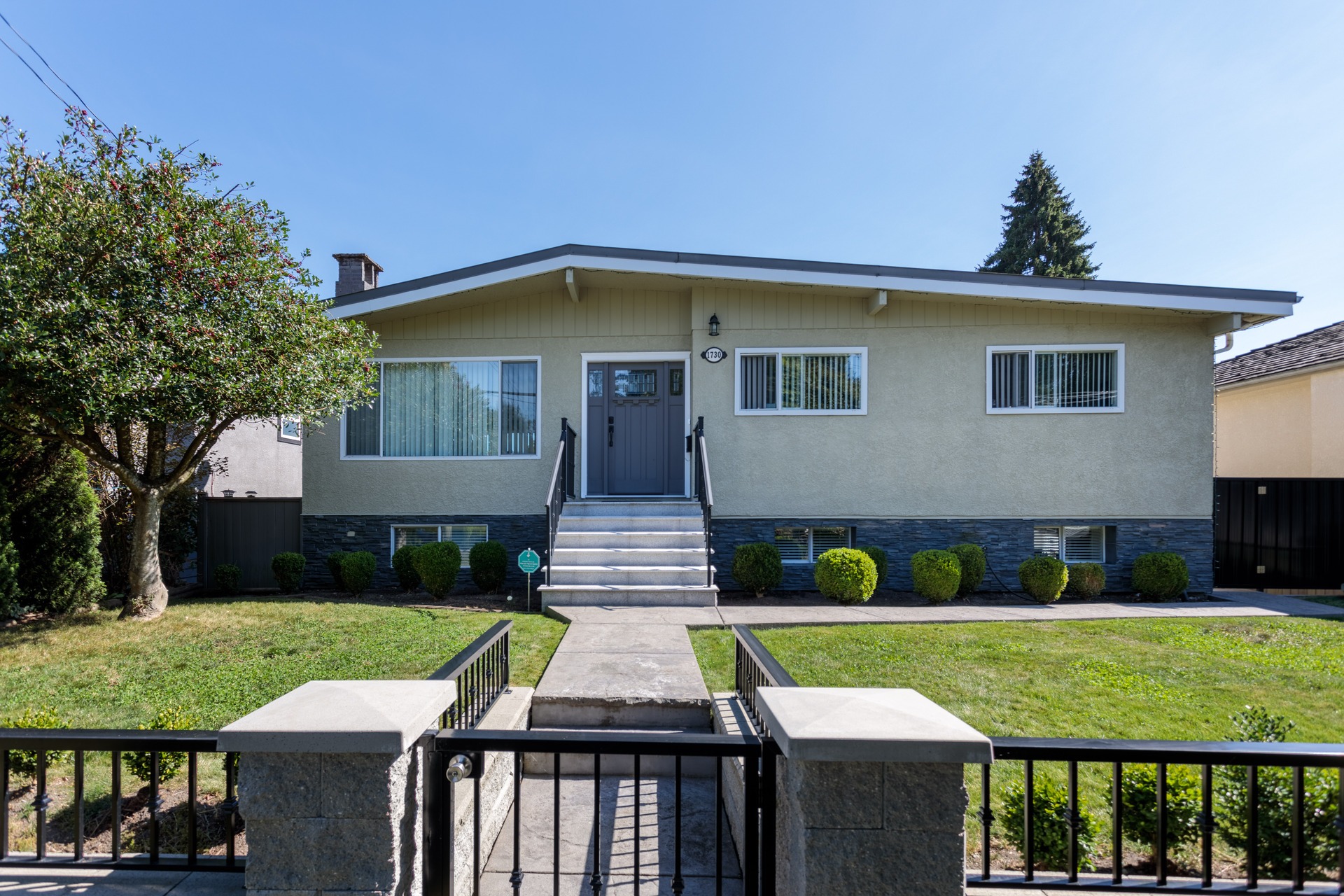 cli4 at 1730 Cliff Avenue, Sperling-Duthie, Burnaby North