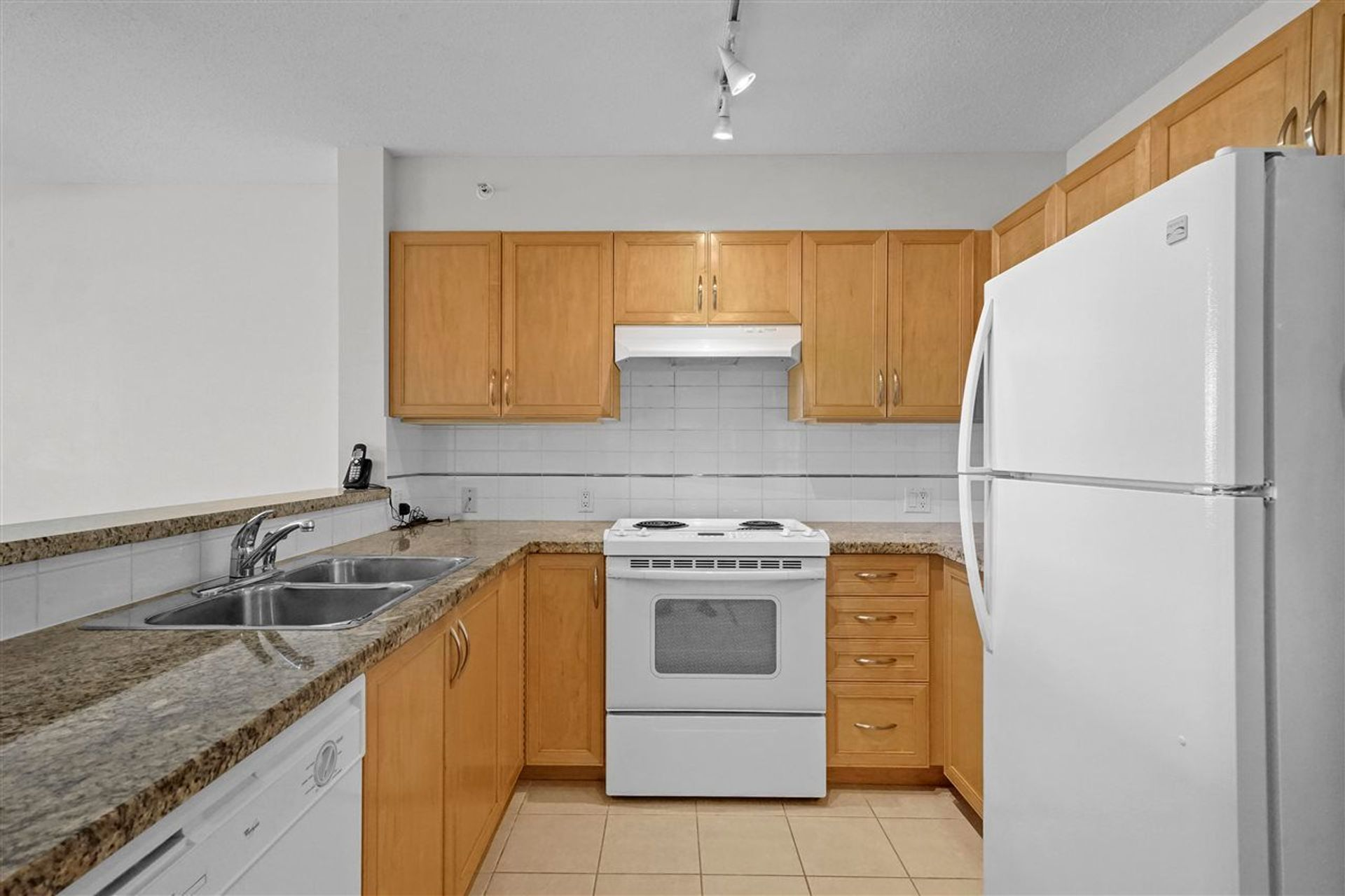4398-buchanan-street-brentwood-park-burnaby-north-04 at 405 - 4398 Buchanan Street, Brentwood Park, Burnaby North