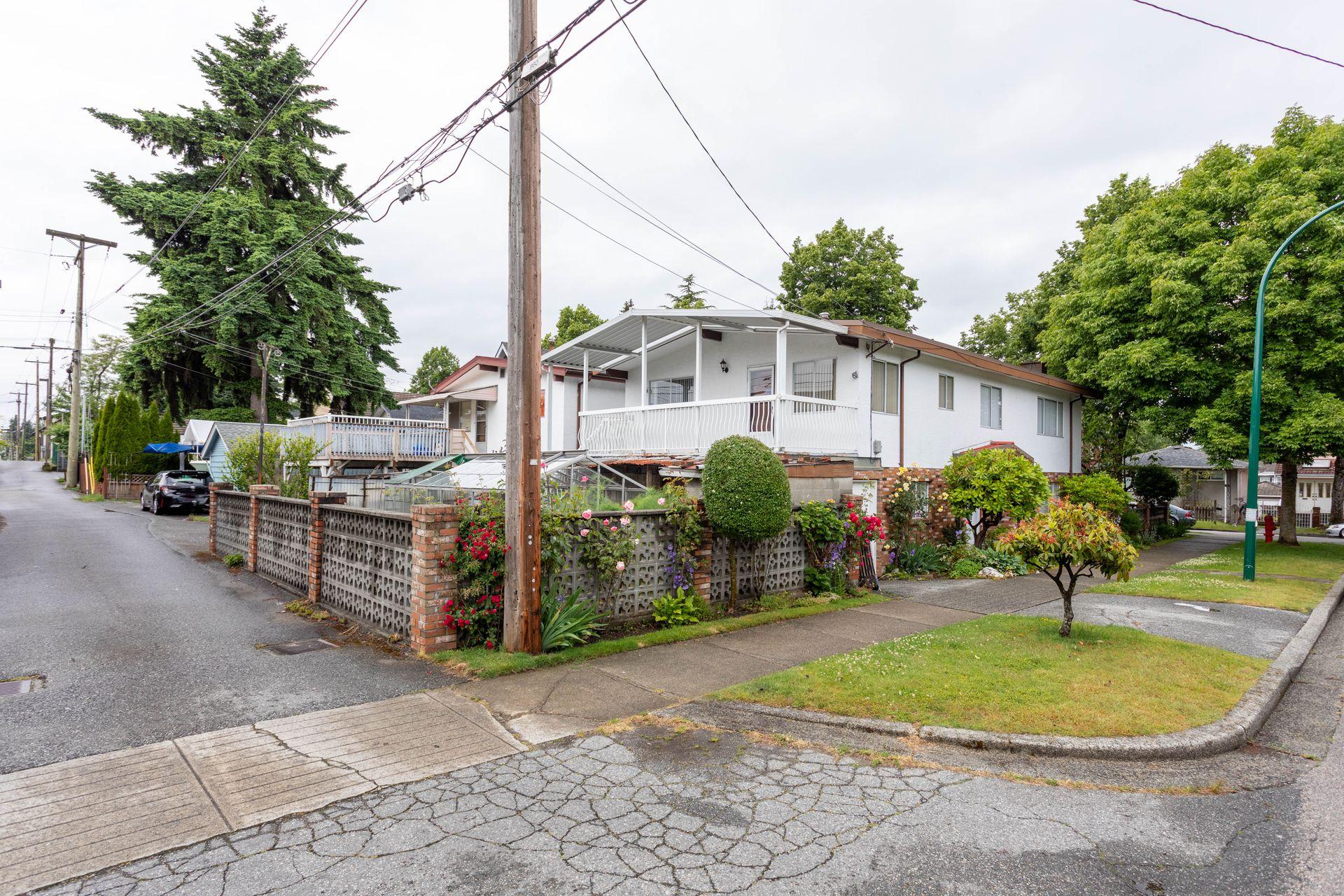 ev6 at 5301 Bruce Street, Victoria VE, Vancouver East