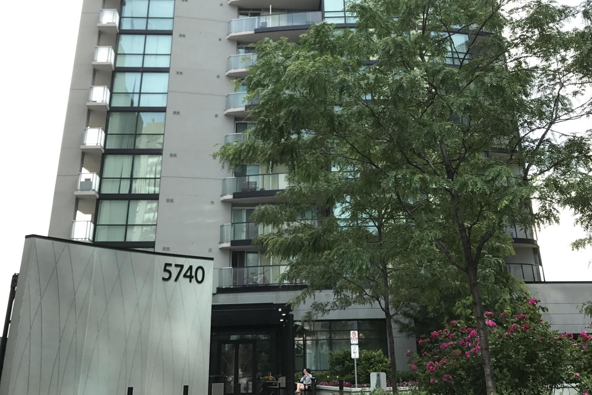 5740 Yonge Street, Toronto