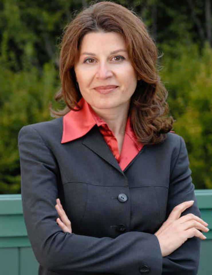 Zoe Mikhchi