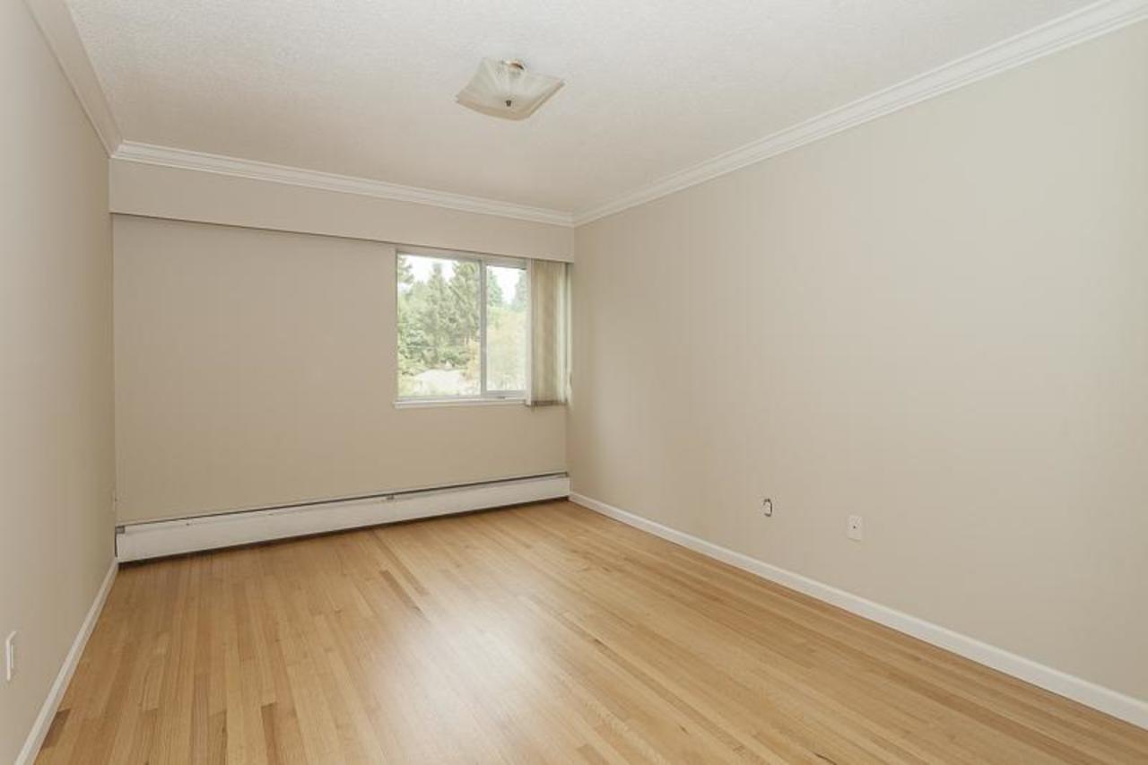 1425EsquimaltBEDROOM at 406 - 1425 Esquimalt Ave, Ambleside, West Vancouver