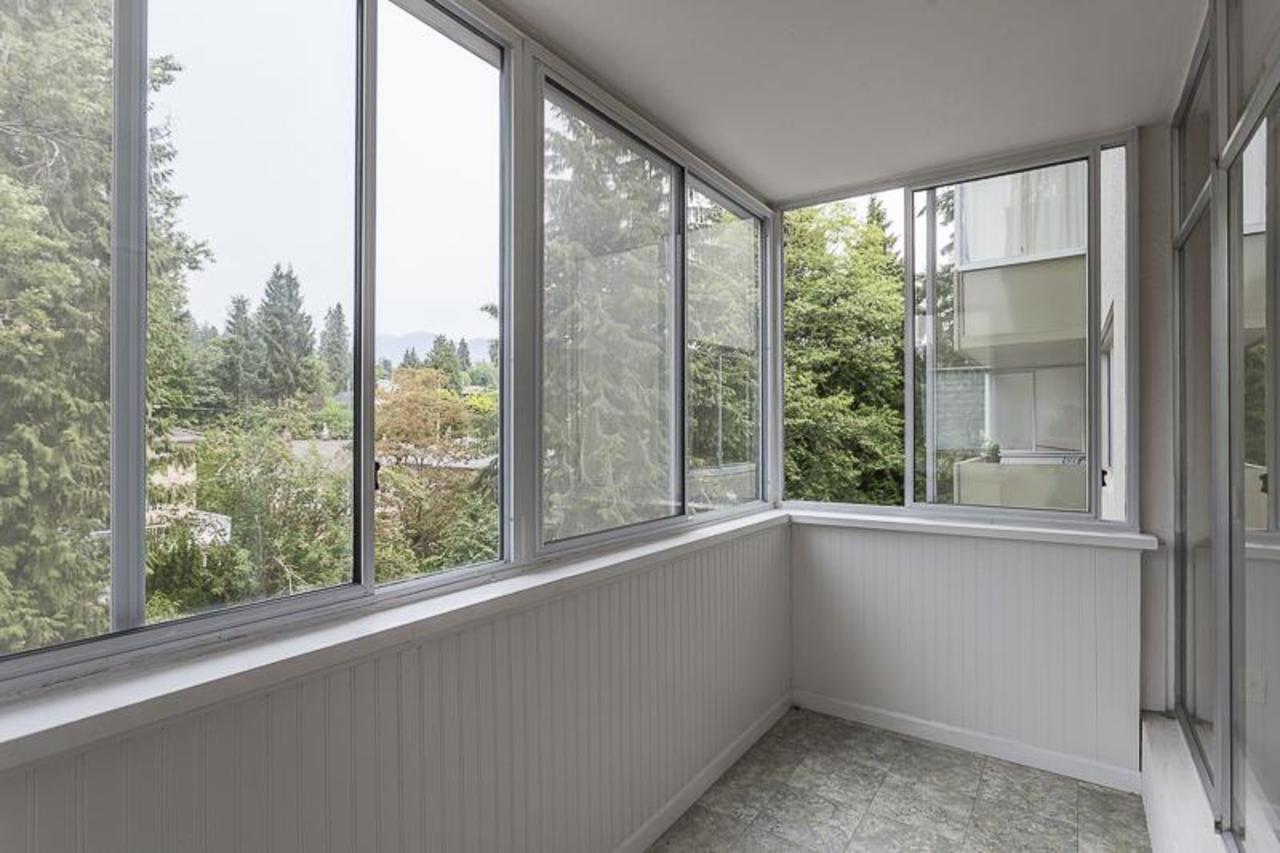 1425EsquimaltSOLARIUM at 406 - 1425 Esquimalt Ave, Ambleside, West Vancouver