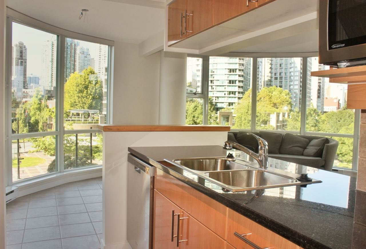image-262129200-2.jpg at 506 - 193 Aquarius Mews, Yaletown, Vancouver West