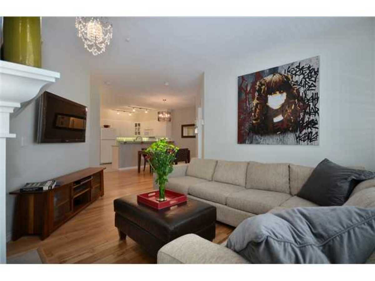 Living Space at 309 - 2755 Maple, Kitsilano, Vancouver West
