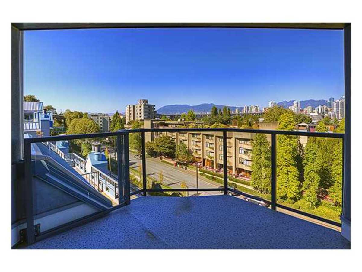 V986273_901_73 at 207 - 1345 4th, False Creek, Vancouver West