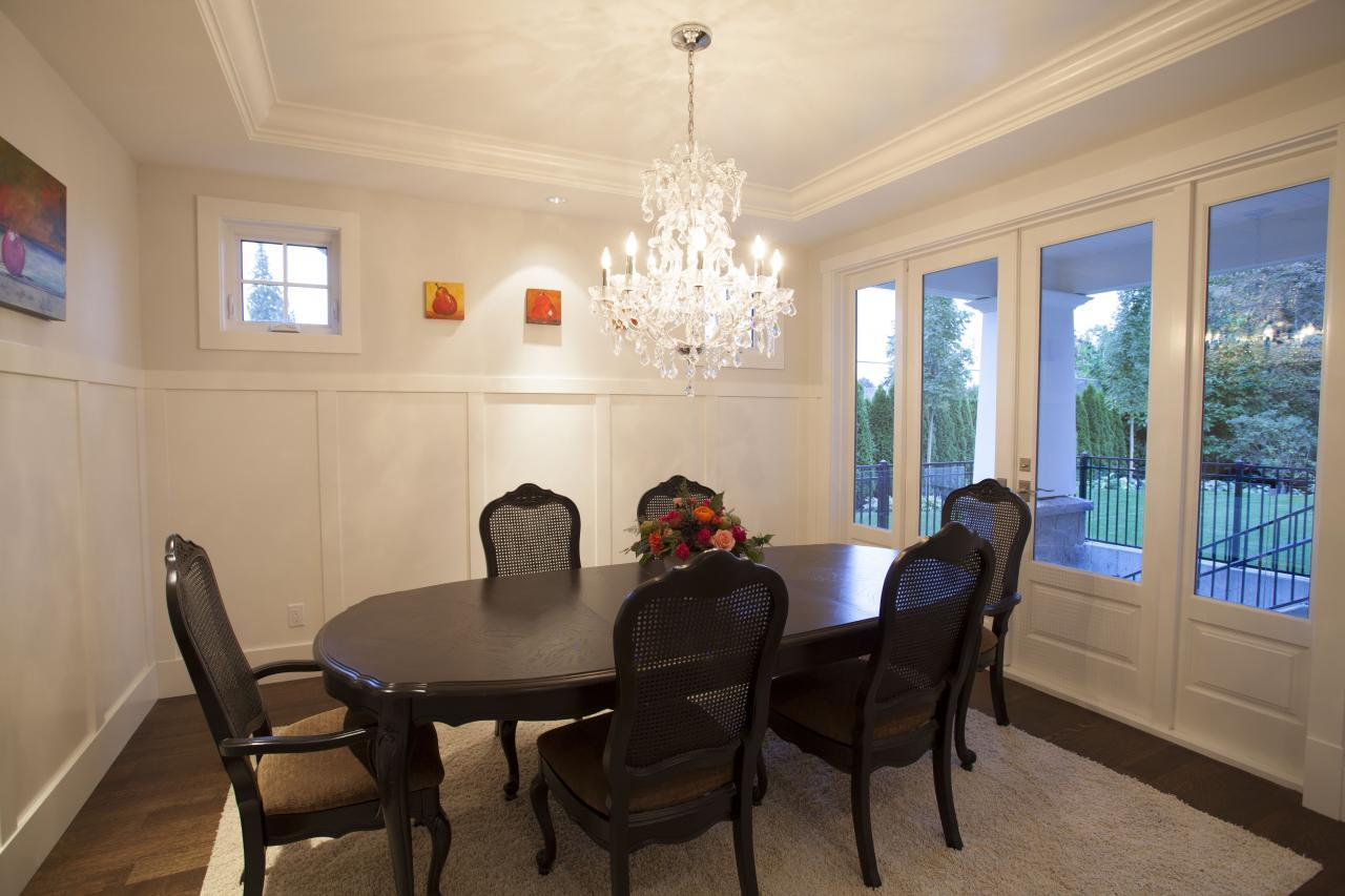 dining at 2478 Kings, Dundarave, West Vancouver