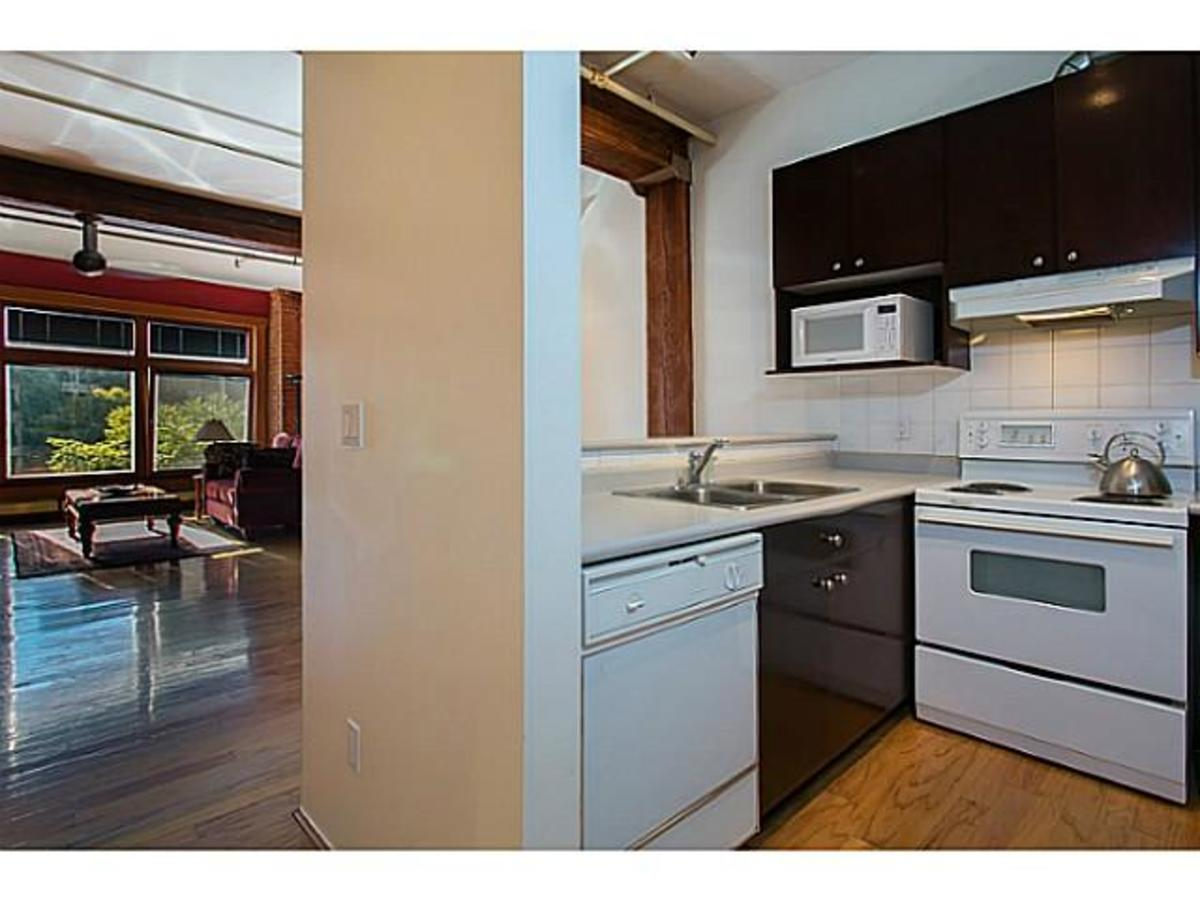 Kitchen at 405 - 518 Beatty, Downtown Vancouver