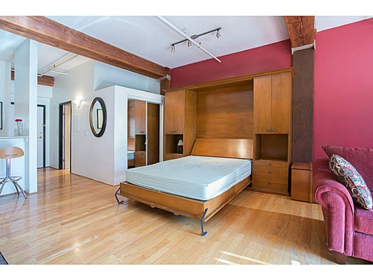 Bed at 405 - 518 Beatty, Downtown Vancouver