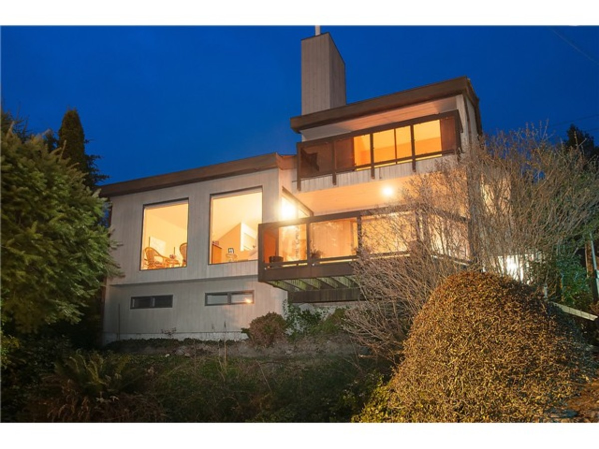 image-261564716-1.jpg at 3397 Marine Drive, West Bay, West Vancouver