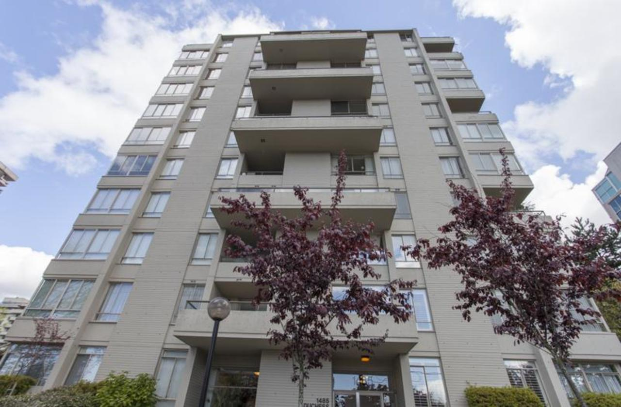 Building1 at 402 - 1485 Duchess, Ambleside, West Vancouver