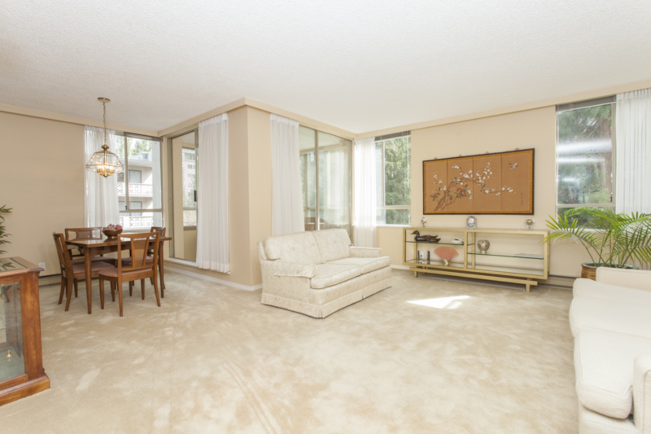 LivingDining at 402 - 1485 Duchess, Ambleside, West Vancouver