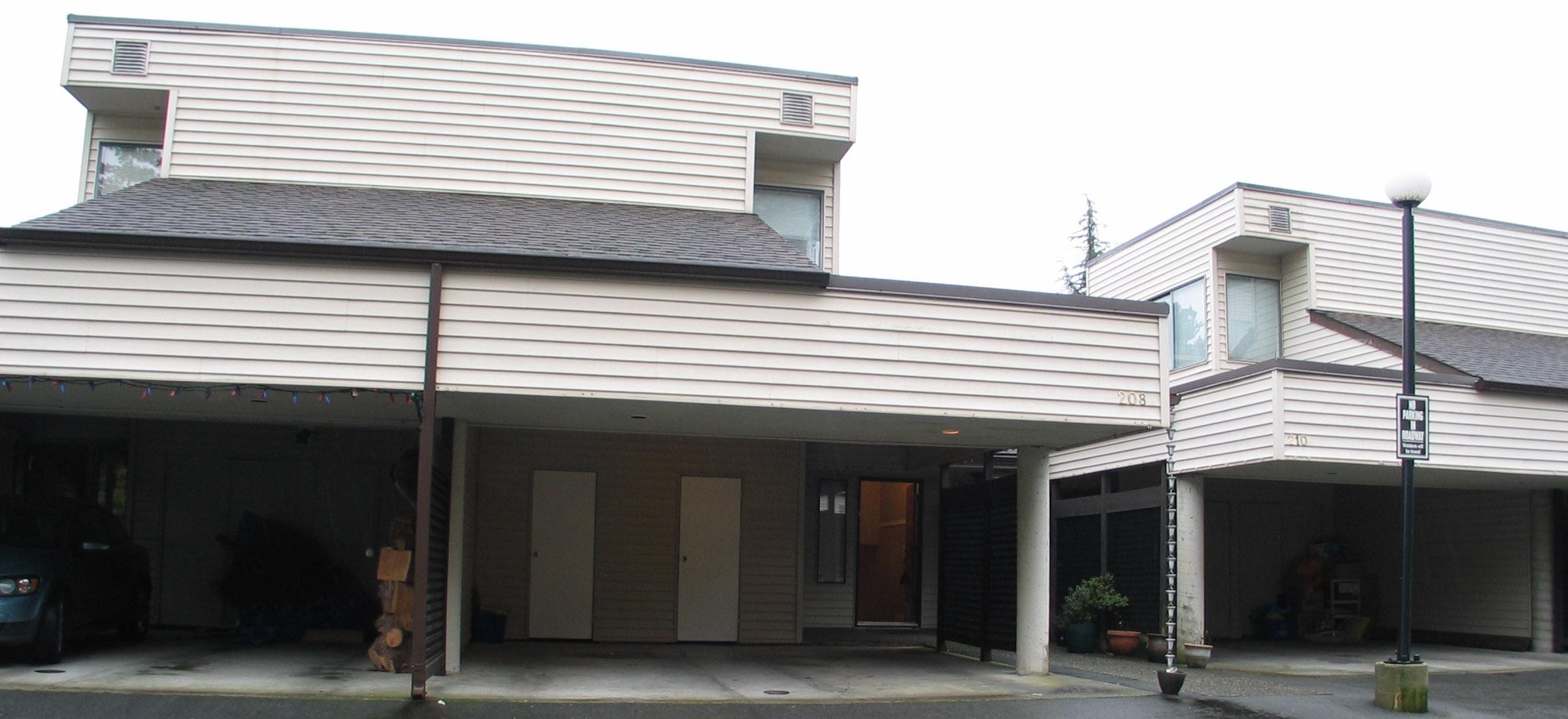 208 - 1220 Falcon Drive, Upper Eagle Ridge, Coquitlam