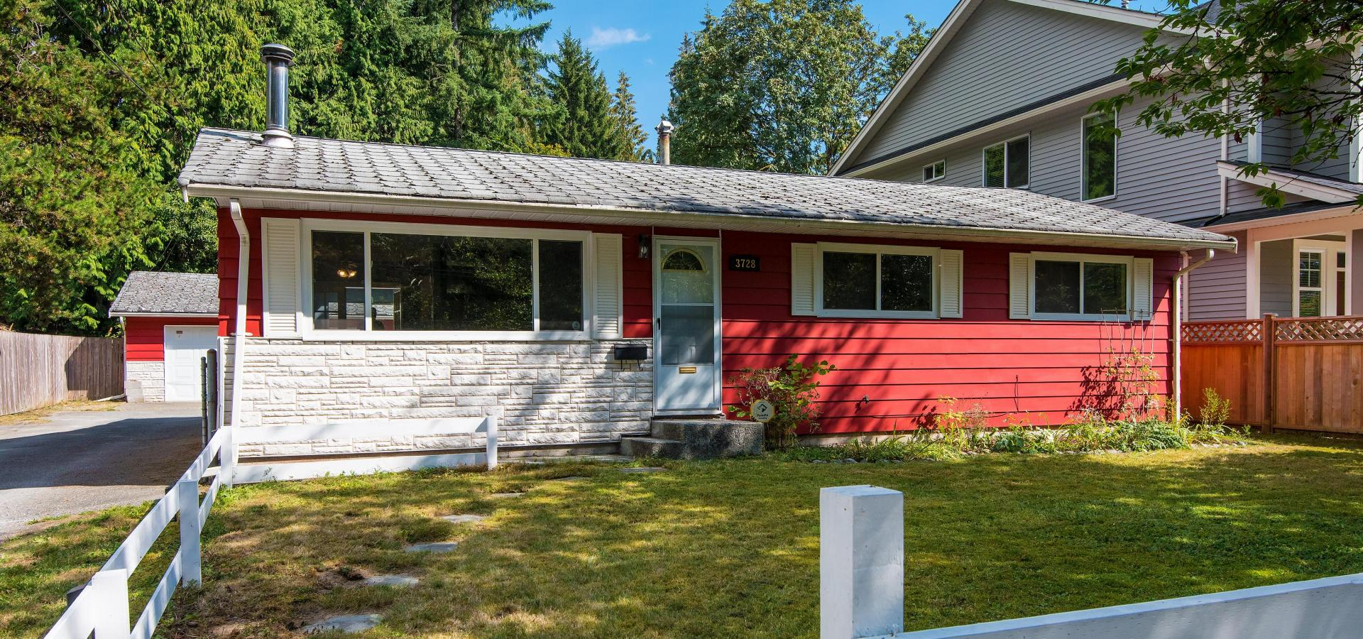 3728 Oxford Street, Oxford Heights, Port Coquitlam