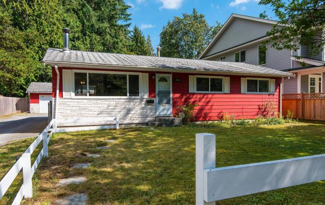 3728 Oxford Street, Oxford Heights, Port Coquitlam 2