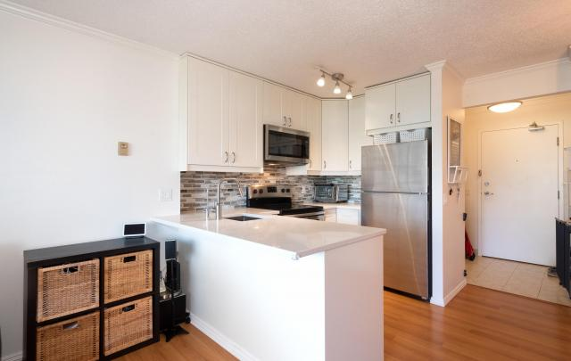 1207 - 3970 Carrigan Court, Government Road, Burnaby North 3