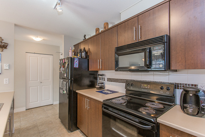 Kitchen at 418 - 12248 224 Street, East Central, Maple Ridge