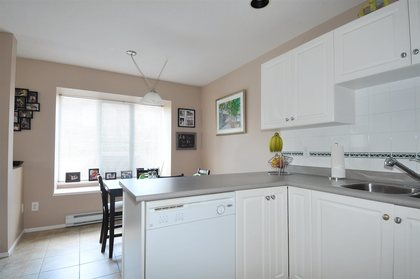 Kitchen & Eating Area at 47 - 23085 118, East Central, Maple Ridge