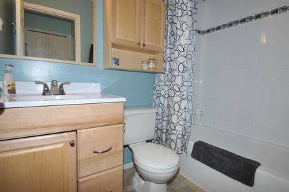 Bathroom   at 47 - 23085 118, East Central, Maple Ridge