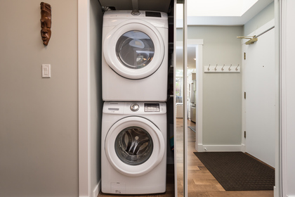 In suite Laundry at 506 - 1225 Merklin Street, White Rock,