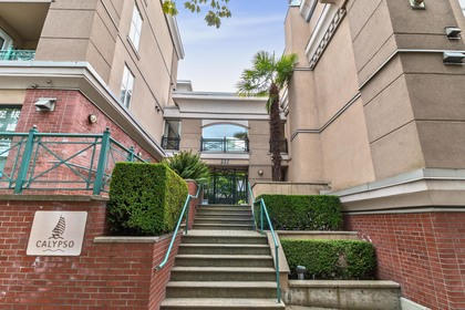 01 at 117 - 332 Lonsdale Avenue, Lower Lonsdale, North Vancouver