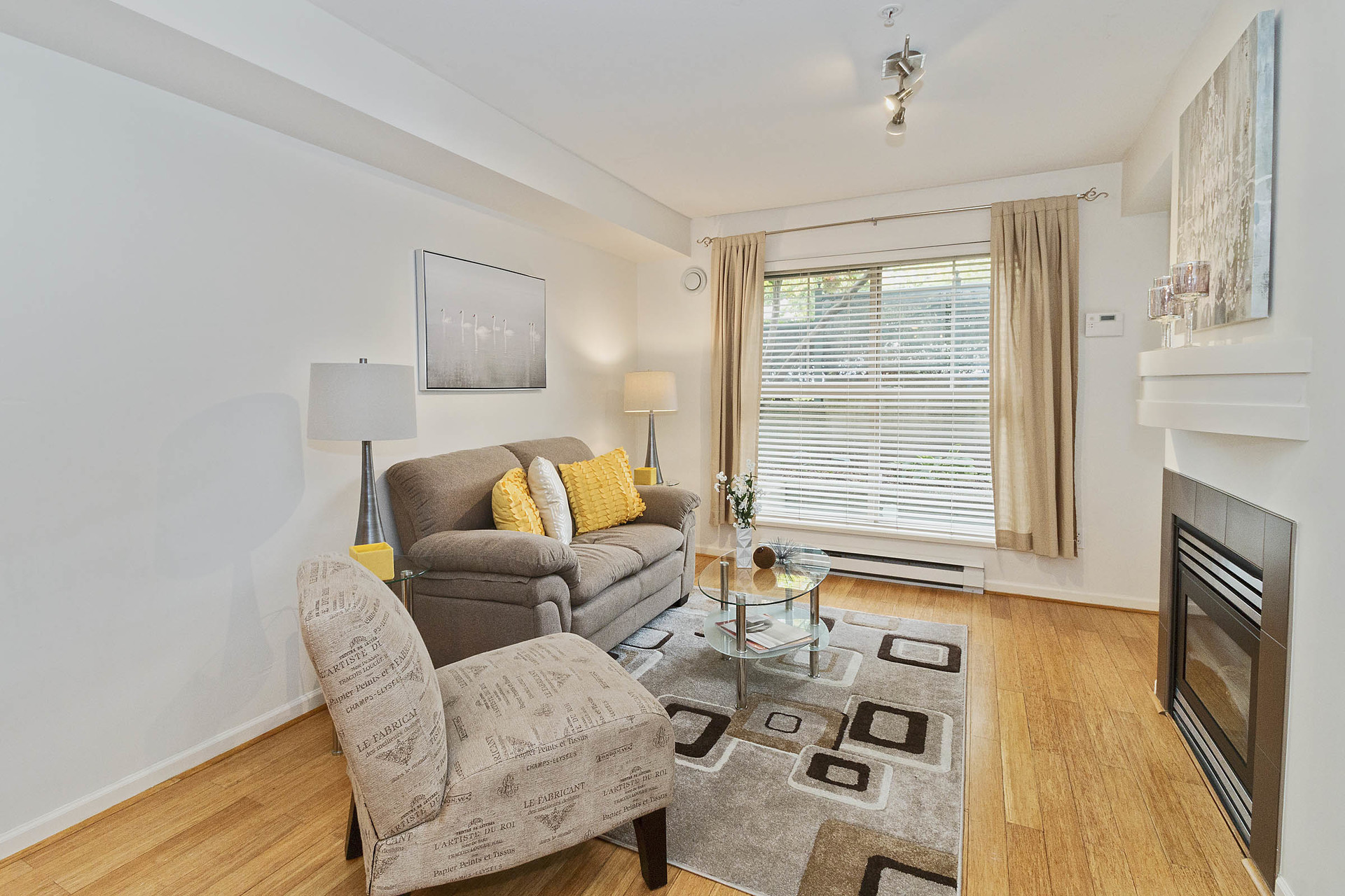 06 at 117 - 332 Lonsdale Avenue, Lower Lonsdale, North Vancouver