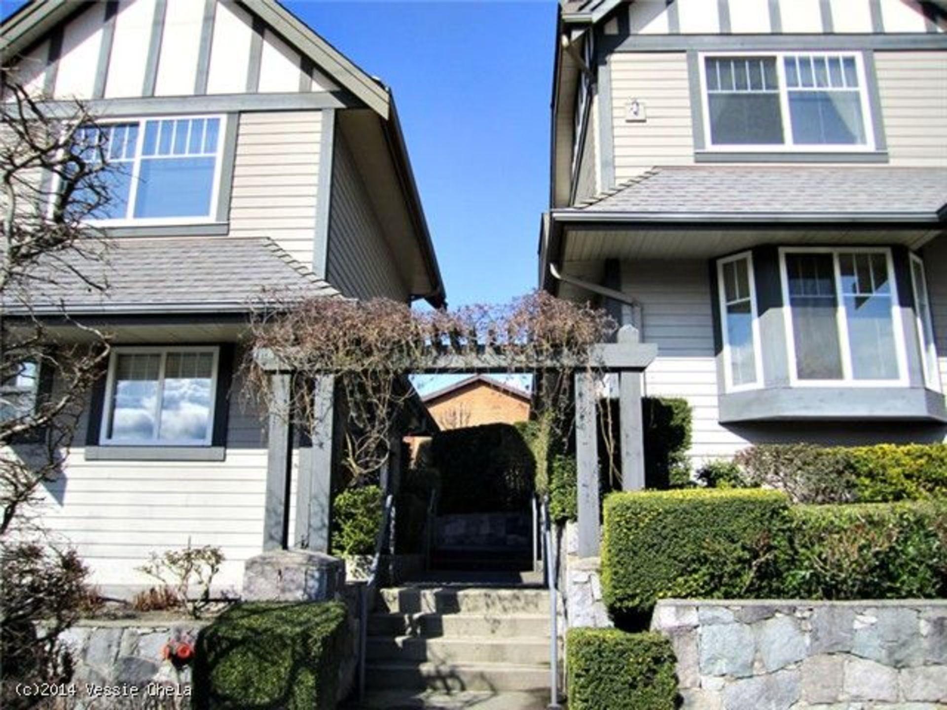 V1054577_101_9415335ed64daf8c at 277 Keith Road, North Vancouver