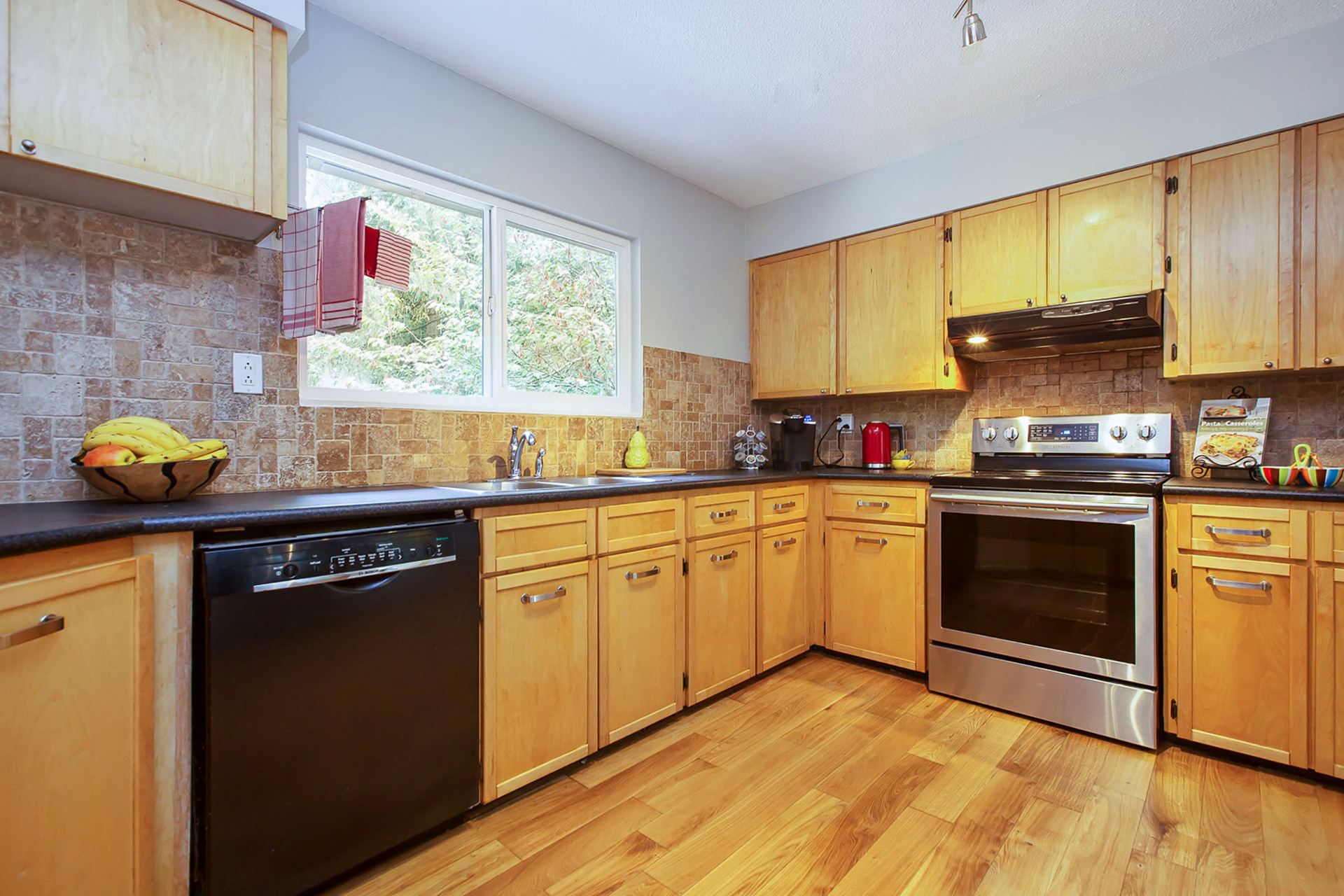 06 at 4450 Nottingham Road, Lynn Valley, North Vancouver