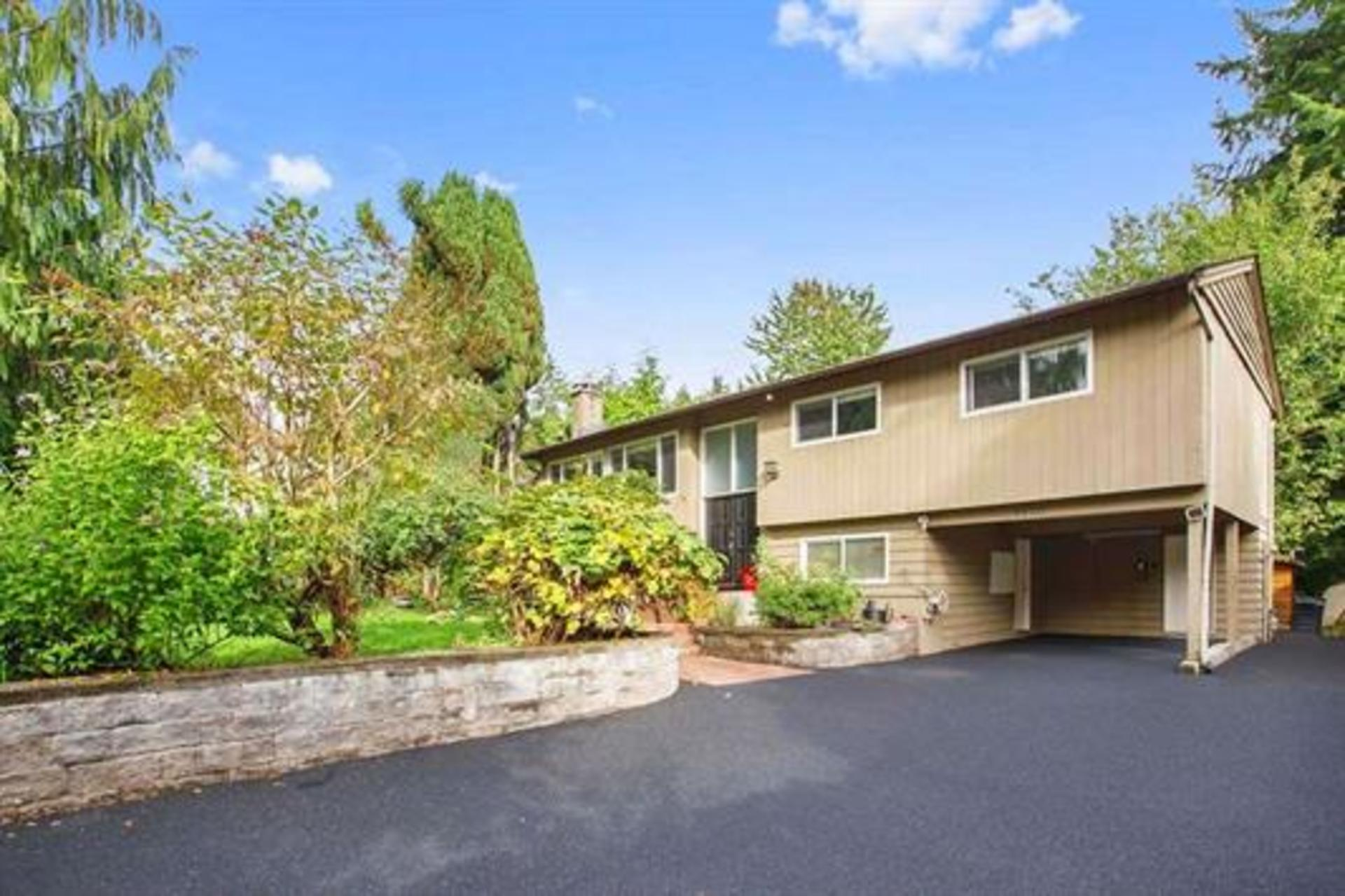 262235744 at 4450 Nottingham Road, Lynn Valley, North Vancouver