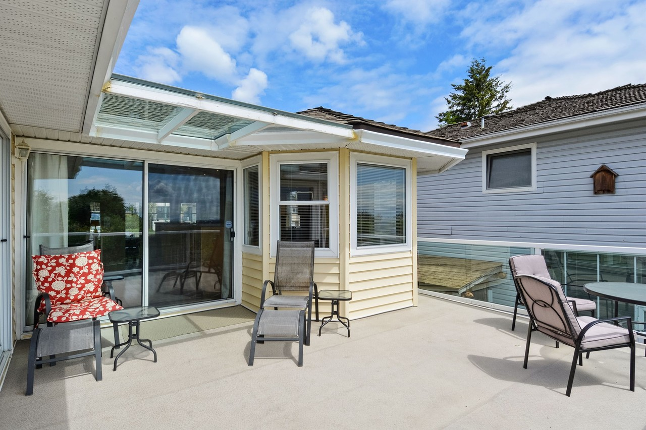 18 at 15810 Buena Vista Avenue, White Rock, South Surrey White Rock