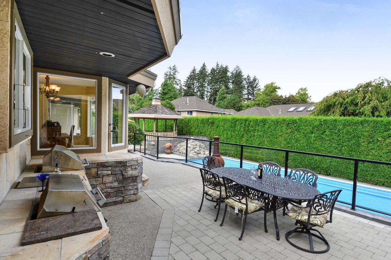 24-1 at 14125 30 Avenue, Elgin Chantrell, South Surrey White Rock