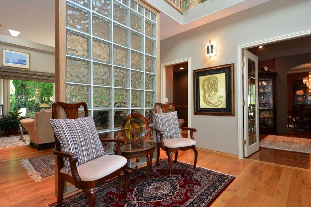 foyer 2 at 2968 Northcrest Drive, Elgin Chantrell, South Surrey White Rock