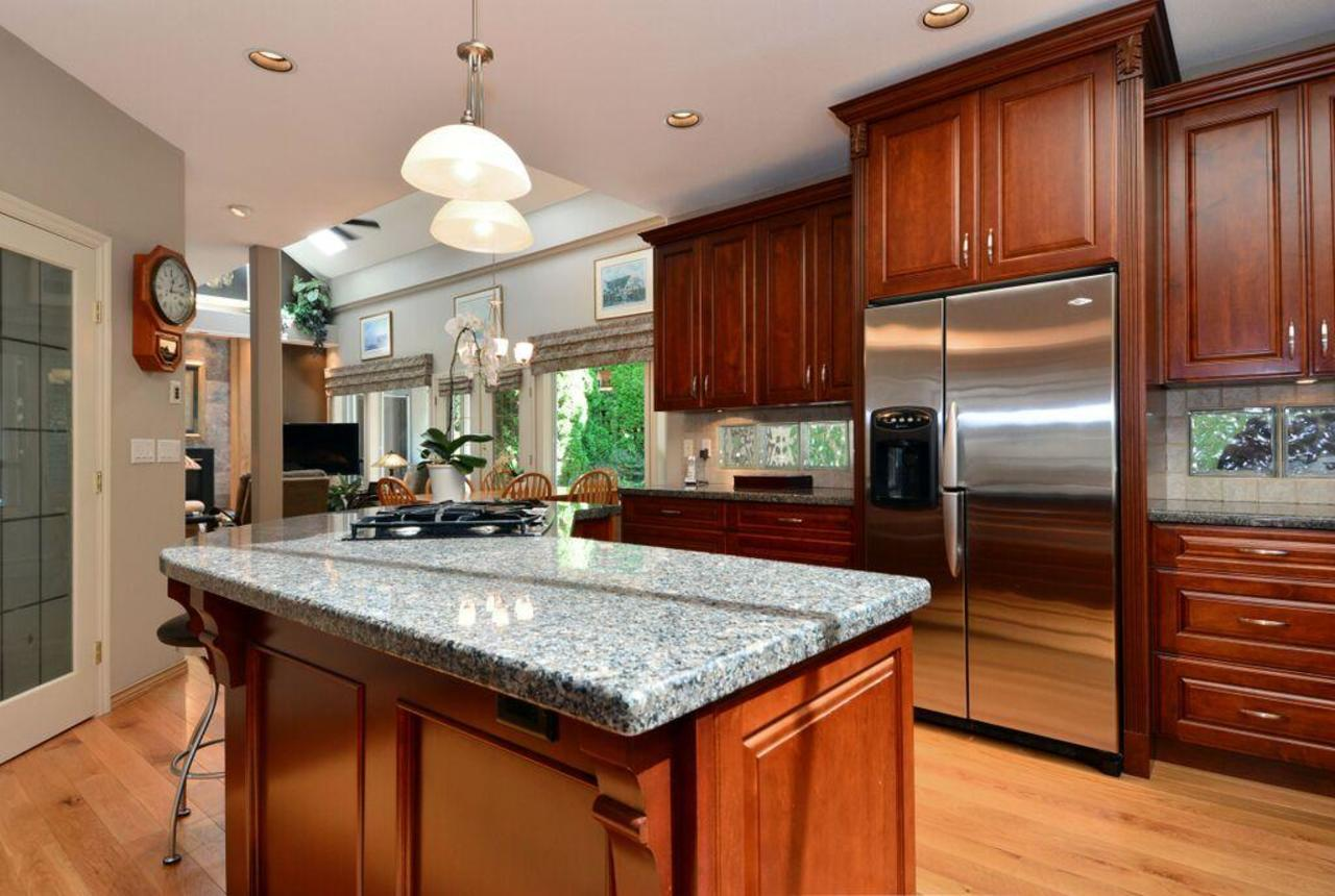 kitchen 2 at 2968 Northcrest Drive, Elgin Chantrell, South Surrey White Rock