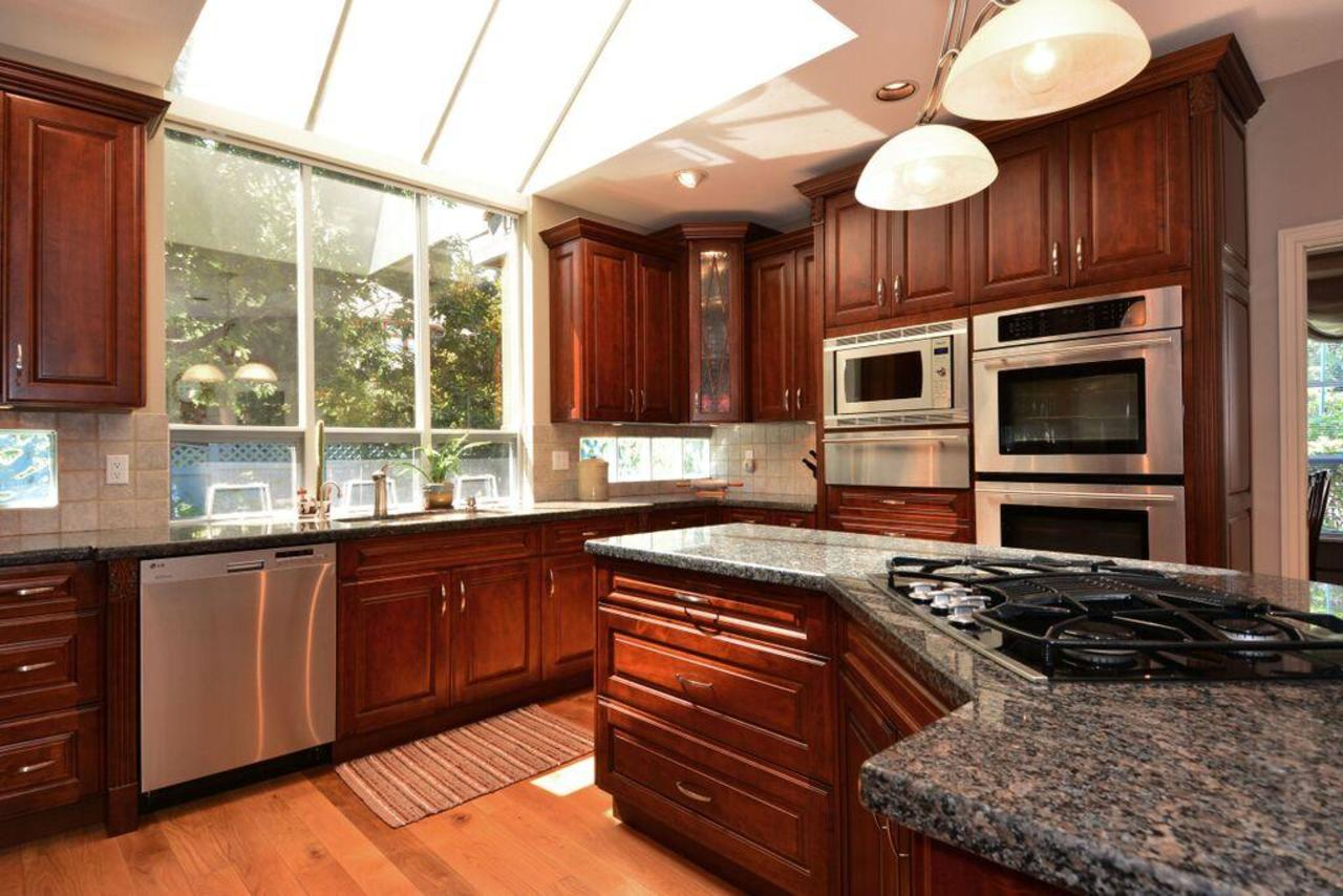 kitchen 3 at 2968 Northcrest Drive, Elgin Chantrell, South Surrey White Rock