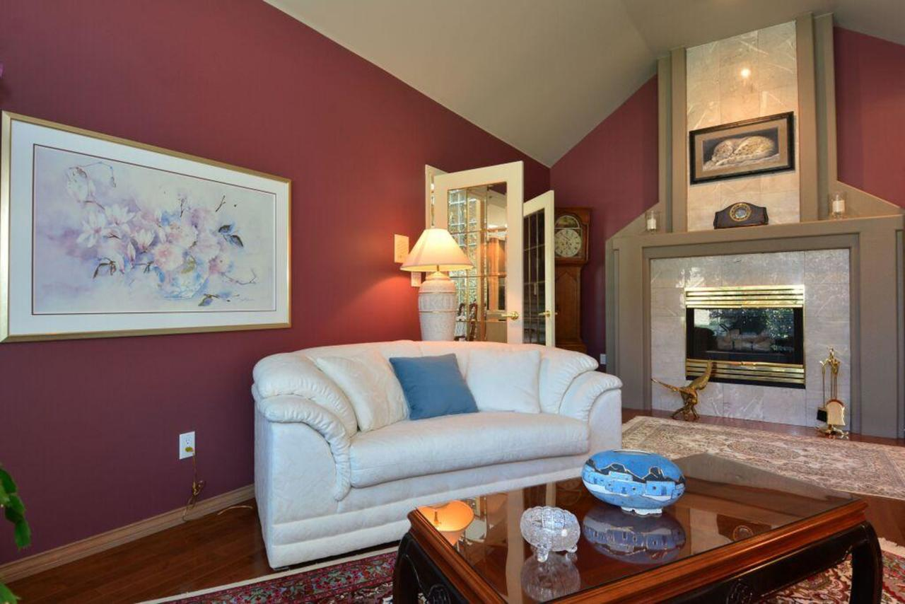 living room 3 at 2968 Northcrest Drive, Elgin Chantrell, South Surrey White Rock