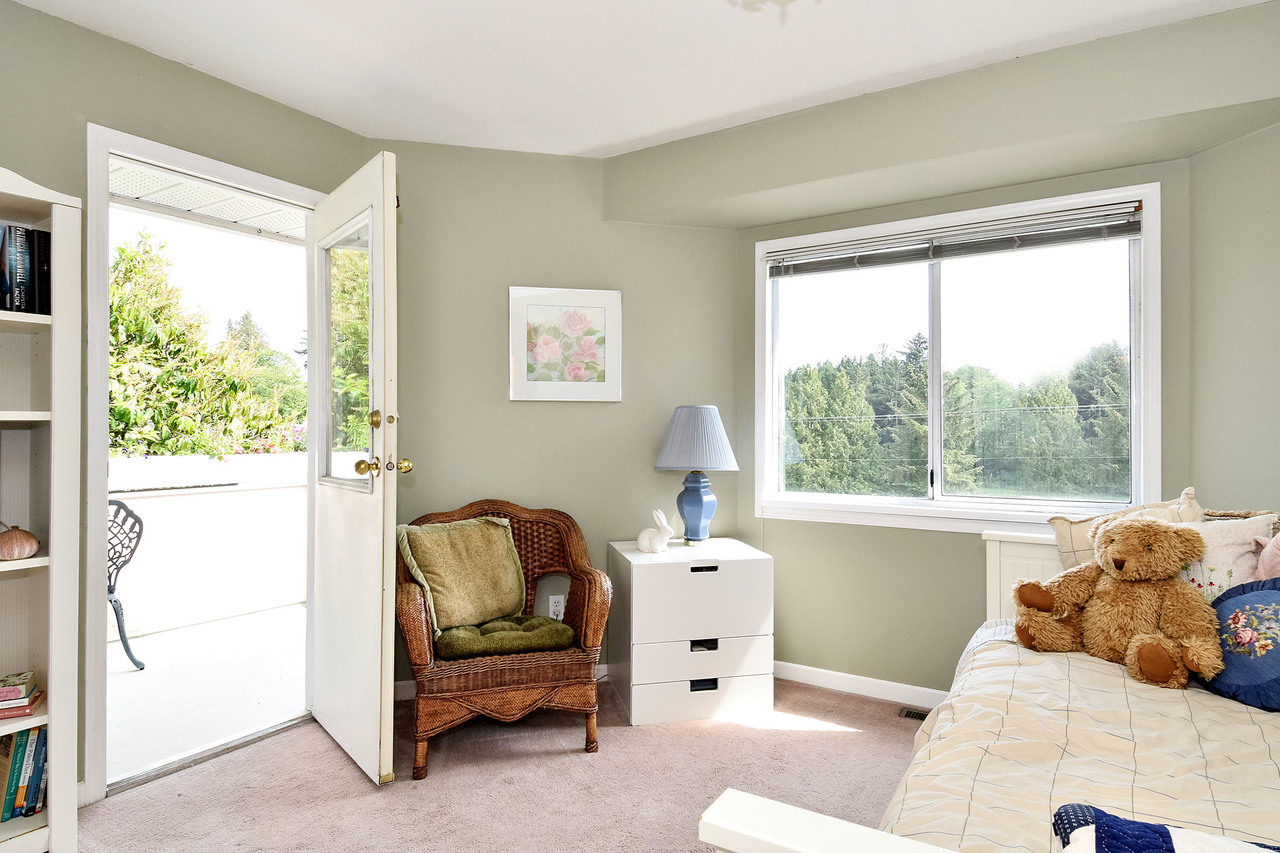 11 at 16055 8 Avenue, King George Corridor, South Surrey White Rock