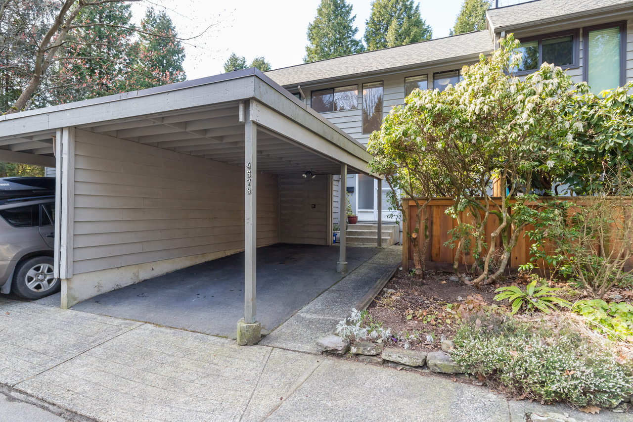 001 at 4579 Elmgrove Drive, Greentree Village, Burnaby South